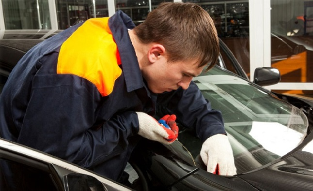 Find The Best Affordable Auto Glass in Houston, TX
